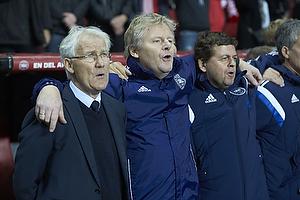 Morten Olsen, cheftr�ner (Danmark), Peter Bonde, assistenttr�ner (Danmark)