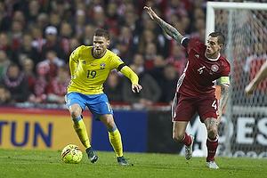 Marcus Berg (Sverige), Daniel Agger, anf�rer (Danmark)