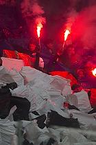 FCK-fans med tifo og romerlys