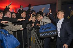 Glade fans modtager Gregor Siko�ek (Br�ndby IF)