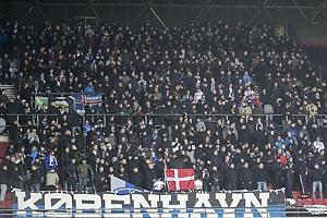 Fck-fans placeret p� �vre A-tribune