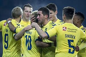 Hany Mukhtar, m�lscorer (Br�ndby IF), Frederik Holst (Br�ndby IF), Gregor Siko�ek (Br�ndby IF)