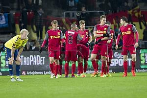 Johan Larsson, anf�rer (Br�ndby IF), Tobias Mikkelsen (FC Nordsj�lland), Patrick Mtiliga, anf�rer (FC Nordsj�lland)