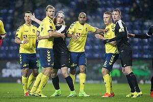 Paulus Arajuuri (Br�ndby IF), Rodolph William Austin (Br�ndby IF), Hj�rtur Hermannsson (Br�ndby IF)