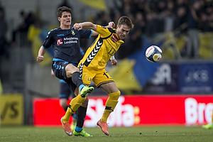 Christian N�rgaard (Br�ndby IF), Hallur Hansson (AC Horsens)