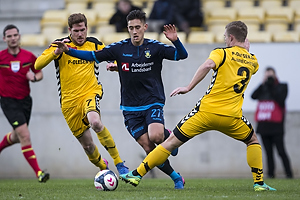 Mathias Nielsen (AC Horsens), Svenn Crone (Br�ndby IF), Martin Albrechtsen (AC Horsens)
