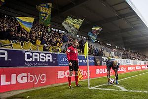 Hj�rnespark tages af Hany Mukhtar (Br�ndby IF) foran Br�ndbys fans