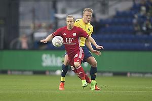 Jeppe Kj�r (Lyngby BK), Hj�rtur Hermannsson (Br�ndby IF)