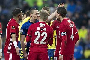 Mads-Kristoffer Kristoffersen, dommer, Bror Blume (Lyngby BK), Mathias Tauber, anf�rer (Lyngby BK)