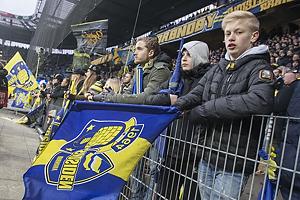 Fans med flag p� Sydsiden