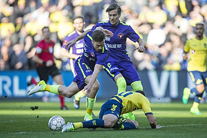 Kamil Wilczek (Br�ndby IF), Uidentificeret person (FC Midtjylland)