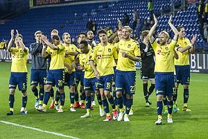 Johan Larsson, anf�rer (Br�ndby IF), Paulus Arajuuri (Br�ndby IF)