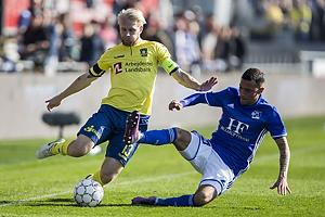 Johan Larsson, anf�rer (Br�ndby IF), Thomas G. Christensen (Lyngby BK)
