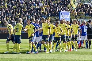 De to hold foran de mange Br�ndbyfans