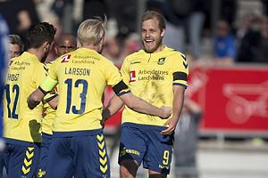 Teemu Pukki, m�lscorer (Br�ndby IF), Johan Larsson, anf�rer (Br�ndby IF)