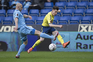 Gregor Siko�ek (Br�ndby IF), Uidentificeret person (Randers FC)