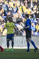 Hany Mukhtar (Br�ndby IF) modtager advarsel fra Michael Johansen, dommer