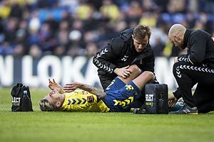 Jan Kliment (Br�ndby IF) behandles