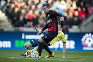 Gustaf Nilsson (Br�ndby IF), Uidentificeret person (FC Midtjylland)