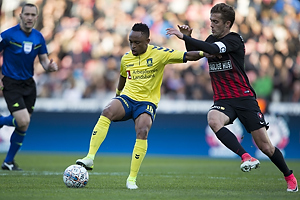 Lebogang Phiri (Br�ndby IF), Jakob Poulsen, anf�rer (FC Midtjylland)