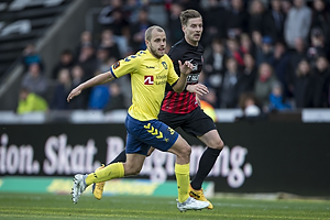 Teemu Pukki (Br�ndby IF), Uidentificeret person (FC Midtjylland)
