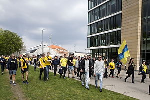 Br�ndbyfans I march mod stadion