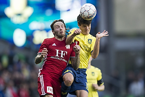 Christian N�rgaard (Br�ndby IF), Uidentificeret person (Lyngby BK)