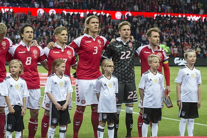 Thomas Delaney (Danmark), Jens Stryger Larsen (Danmark), Jannik Vestergaard (Danmark), Frederik R�nnow (Danmark), Christian Eriksen, anf�rer (Danmark)