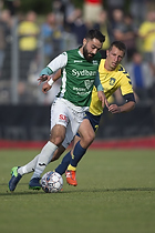 Kamil Wilczek, anf�rer (Br�ndby IF), Uidentificeret person (N�stved IF)