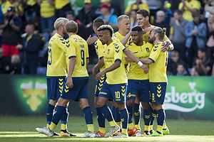 Hany Mukhtar (Br�ndby IF), Hj�rtur Hermannsson (Br�ndby IF), Benedikt R�cker (Br�ndby IF), Kevin Mensah (Br�ndby IF), Kasper Fisker, m�lscorer (Br�ndby IF)