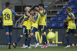 Besar Halimi, m�lscorer (Br�ndby IF), Johan Larsson (Br�ndby IF), Teemu Pukki (Br�ndby IF), Christian N�rgaard (Br�ndby IF)