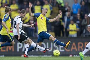 Jeppe Mehl (AC Horsens), Paulus Arajuuri (Br�ndby IF)