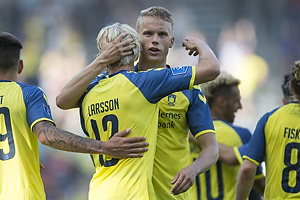 Johan Larsson, m�lscorer (Br�ndby IF), Hj�rtur Hermannsson (Br�ndby IF)