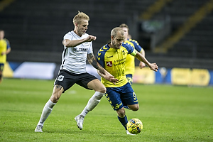 Uidentificeret person (Led�je-Sm�rum Fodbold), Teemu Pukki (Br�ndby IF)