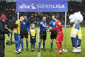 Sandi Putro, dommer, Johan Larsson, anf�rer (Br�ndby IF)
