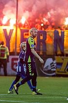 Br�ndbytifo med flag og romerlys, Johan Larsson (Br�ndby IF)