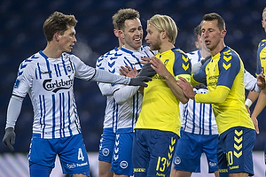 Ryan Laursen (Ob), Johan Larsson, anf�rer (Br�ndby IF), Kamil Wilczek (Br�ndby IF)