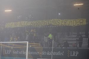 Horsens-fans med banner