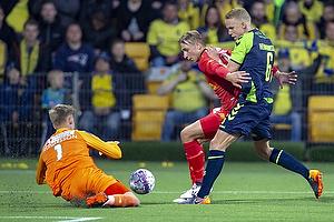 Runar Alex Runarsson (FC Nordsj�lland), Hj�rtur Hermannsson (Br�ndby IF), Uidentificeret person (FC Nordsj�lland)