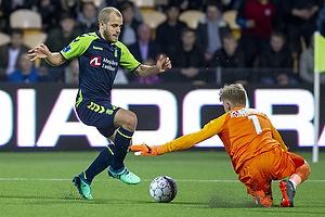Teemu Pukki (Br�ndby IF), Runar Alex Runarsson (FC Nordsj�lland)