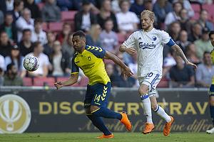 Kevin Mensah (Br�ndby IF), Nicolai Boilesen, anf�rer (FC K�benhavn)