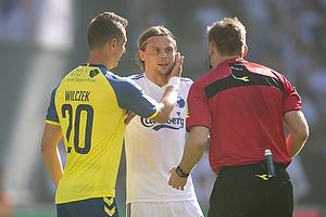 Kamil Wilczek (Br�ndby IF), Peter Ankersen (FC K�benhavn), Jens Maae, dommer