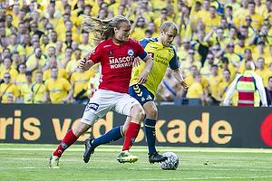 Simon Jakobsen, anf�rer (Silkeborg IF), Teemu Pukki (Br�ndby IF)