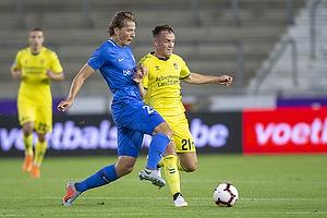 Lasse Vigen Christensen (Br�ndby IF), Sander Berge (KRC Genk)