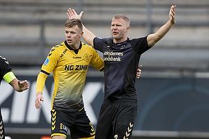 Mads Juel Andersen (AC Horsens), Paulus Arajuuri (Br�ndby IF)