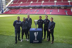 Martin Retov, cheftr�ner (Br�ndby IF), Kevin Mensah (Br�ndby IF), Jens Martin Gammelby (Br�ndby IF), Jakob Poulsen (FC Midtjylland), Erik Sviatchenko (FC Midtjylland), Kenneth Andersen, cheftr�ner (FC Midtjylland)