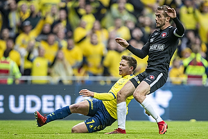 Dominik Kaiser (Br�ndby IF), Jakob Poulsen, anf�rer (FC Midtjylland)