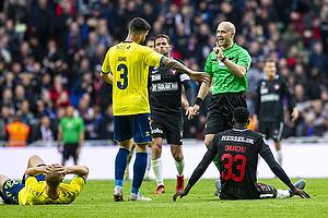 Anthony Jung (Br�ndby IF), Paul Onuachu (FC Midtjylland), Peter Kj�rdgaard-Andersen, dommer
