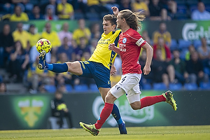 Mikael Uhre (Br�ndby IF), Simon Jakobsen, anf�rer (Silkeborg IF)