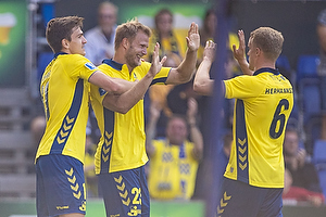 Mikael Uhre (Br�ndby IF), Paulus Arajuuri, m�lscorer (Br�ndby IF), Hj�rtur Hermannsson (Br�ndby IF)